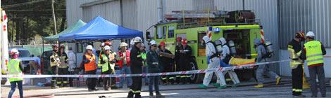 OXIQUIM y POLYKARPO realizan simulacro de emergencia.