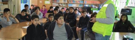 Enseñan a estudiantes sobre conducta vial y cuidados en el hogar